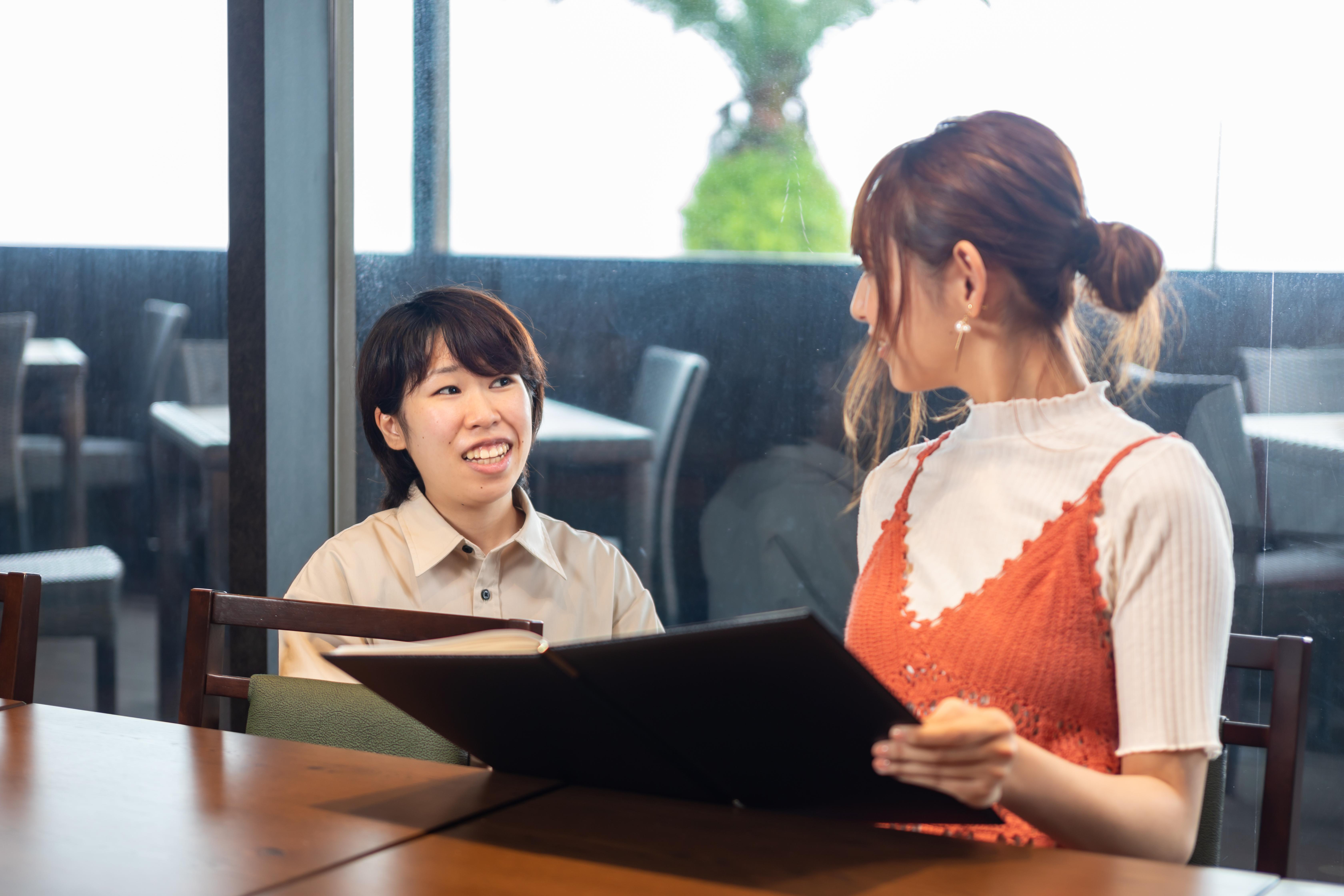 【レストランホールスタッフ】未経験応募可◆温泉旅館レストランでのホールスタッフ
